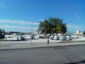 Área de Servicios y Parking para Caravanas